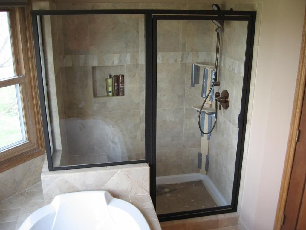 Hoffman-Premium-Glass-Custom-Shower M3